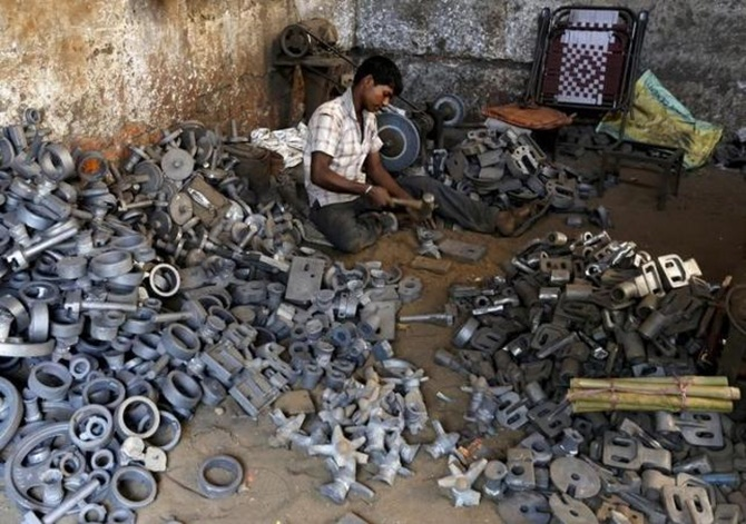 For India's surging economy, small is beautiful