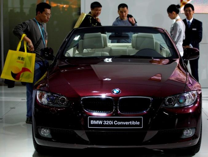 BMW India launches petrol 320i sedan @ Rs 36.9 lakh