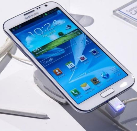 Samsung swings into action after Note 2 explosion