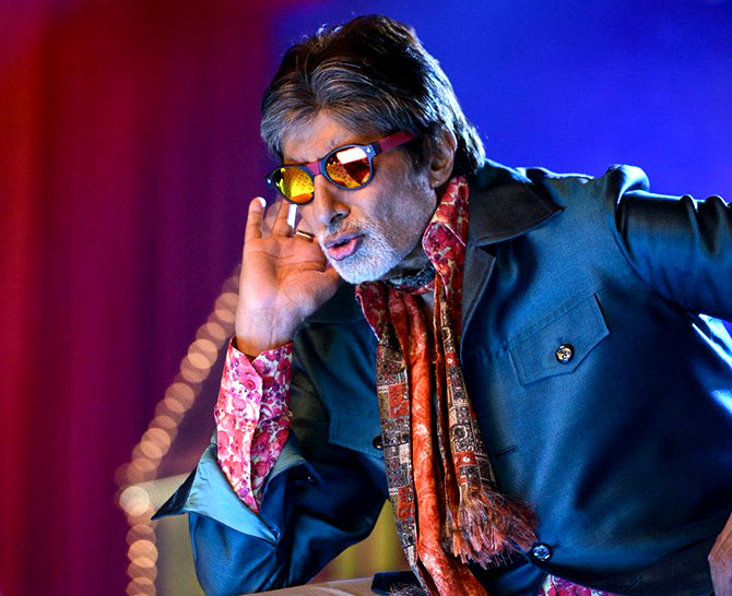 Amitabh Bachchan advertises Navratna Oil for Emami