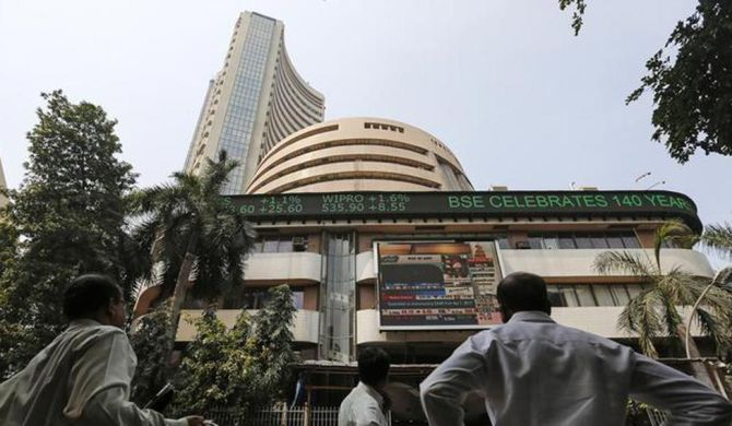 Sensex gives up gains, but stays positive for 3rd day