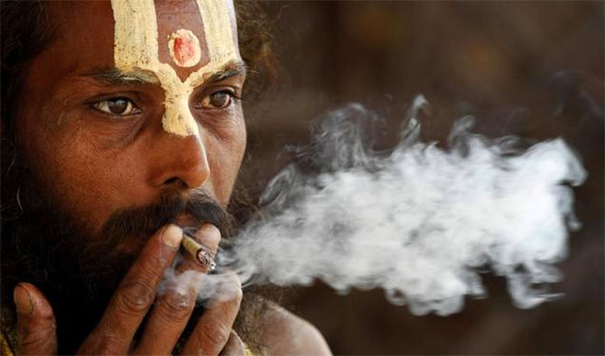 'We will see an epidemic of Chronic Obstructive Pulmonary Disease in India which is irreversible. You will see that many of them are non-smokers while in the West, only smokers get COPD,' says Dr Anurag Agrawal. Photograph: PTI. Kindly note the image is published only for representational purposes.