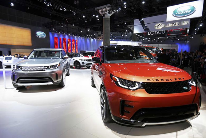 Jlr too brings down prices post gst business for Tata motors range rover