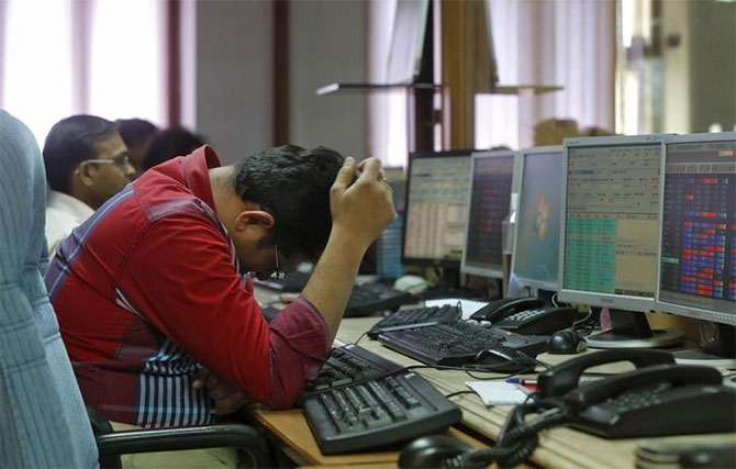 Sensex plummets 560 points; bank, auto stocks bleed