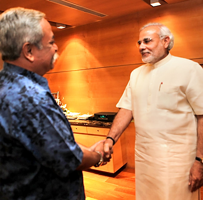 Piyush Pandey meeting Narendra Modi. Photo: www.narendramodi.in