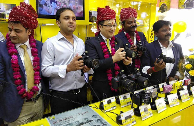 Kazuo Ninomiya, managing director, Nikon India at #MeriJaanJodhpur inaugural function of a Nikon store. Courtesy: @MeriJaanJodhpur/Twitter
