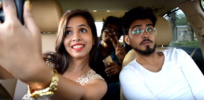 Dhinchak Pooja loves her selfies