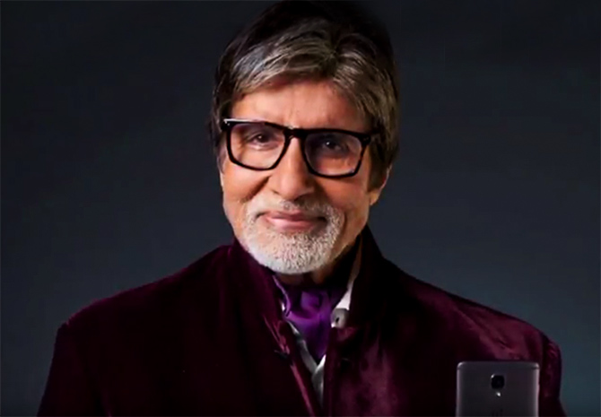 Amitabh Bachchan promotes the OnePlus phone