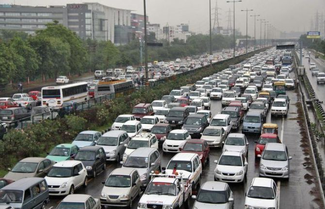 No festive cheer for auto sector; car sales down 5%