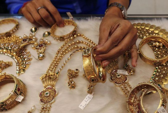 Gems & jewellery exports stare at a bleak future