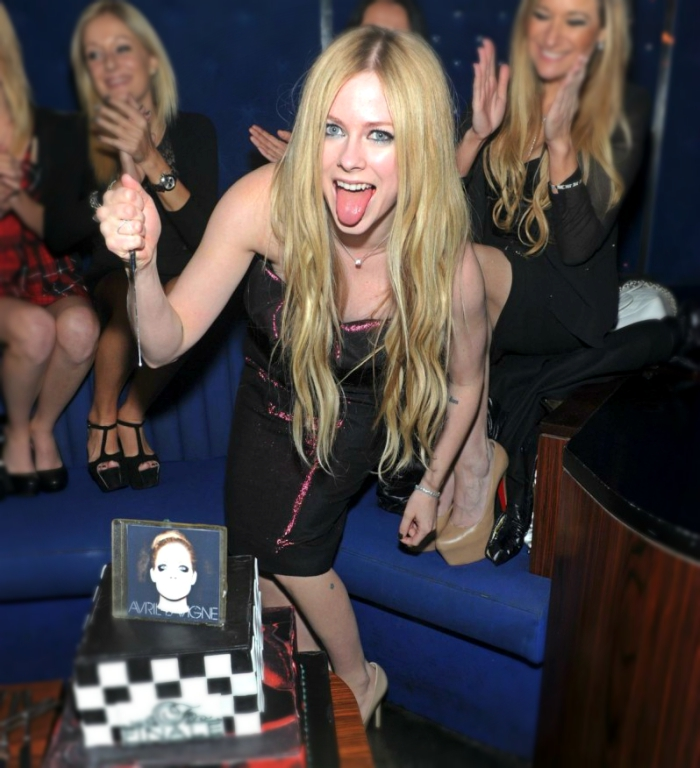 singer Avril Lavigne most dangerous celebrity