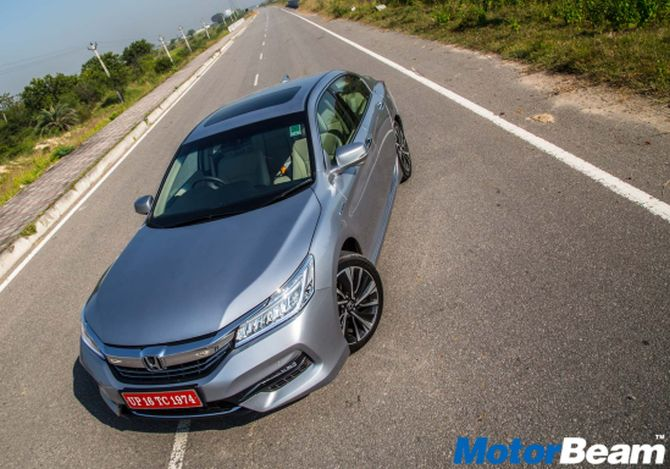 Indian Automobile Website MotorBeam Drives This Honda To See If The Accord Hybrid Is A Winner