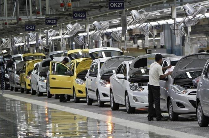 Carmakers clock high growth on low base
