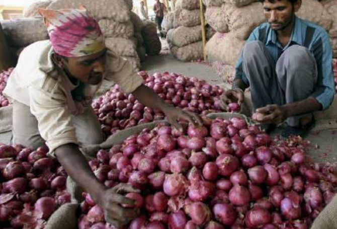Onion price hits 20-month high despite govt's measures