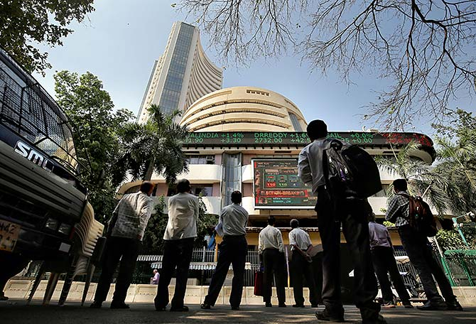 Why are FIIs selling off Indian stocks?