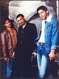 Emraan, Rahul Dev and Aftab Shivdasani in Footpath