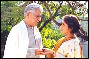 Om Puri, Revathy in Dhoop