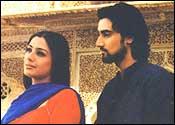 Tabu and Kunal Kapoor in Meenaxi