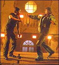 Shah Rukh Khan and Suniel Shetty in Main Hoon Na