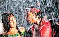 Esha Deol and Uday Chopra in Dhoom