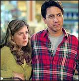 Maura Tierney and Ray Romano in Welcome To Mooseport