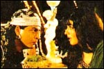 Shah Rukh Khan and Raveena Tandon in Zamana Deewana