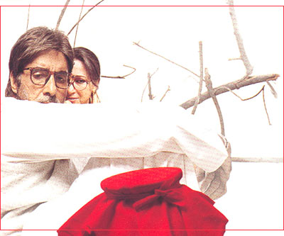 Amitabh Bachchan and Sharmila Tagore in Viruddh