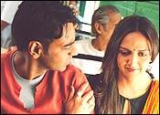 Ajay Devgan and Esha Deol in Yuva