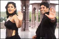 Raveena Tandon and Akshay Kumar in Police Force