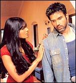 Bipasha Basu, Suniel Shetty in Rakht
