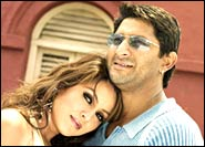 Mahima Chaudhary and Arshad Warsi in Kuchh Meetha Ho Jaye