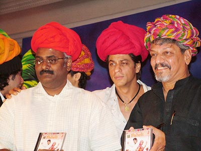M M Kreem, Shah Rukh Khan and Amol Palekar at the music launch for Paheli