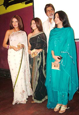 Amitabh Bachchan, with (left to right) Celina Jaitley, Riya Sen, Bhumika Chawla