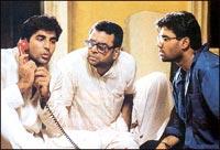 Akshay Kumar, Paresh Rawal and Suniel Shetty in Hera Pheri