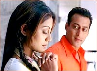 Salman Khan and Rimii Sen in Kyon Ki