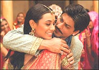 Rani Mukerji and Shah Rukh Khan in Paheli