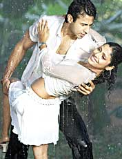 A still from Aisa Kyon Hota Hai