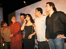 The Malamaal Weekly cast, with director Priyadarshan (third from left)