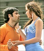 Emraan Hashmi and Nisha Kothari in The Killer