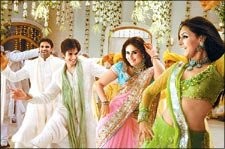 A still from Chup Chup Ke