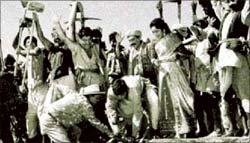A still from Naya Daur, 1957