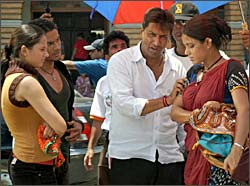 Madhur Bhandarkar on the sets of Traffic Signal