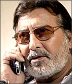 Vinod Khanna in Risk