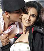 Akshay Kumar and Vidya Balan in a still from the movie, Heyy Babyy.