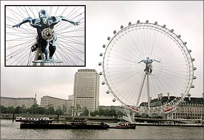 The Silver Surfer, right in the centre of the London Eye