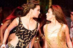 Lara Dutta and Preity Zinta in Jhoom Barabar Jhoom