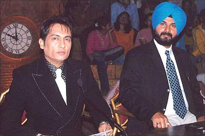 Shekhar Suman with Navjot Singh Sidhu on Laughter Challenge
