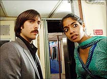 Jack Schwartzman and Amara in The Darjeeling Limited