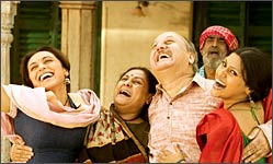 A still from Laaga Chunari Mein Daag