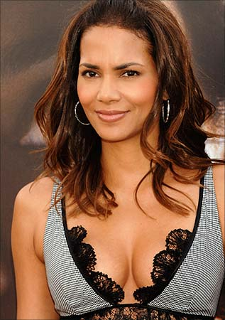 halle berry movies. Halle Berry, expecting a visit